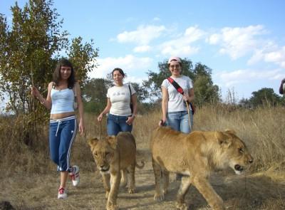 Lena-in-Africa-181-400x295